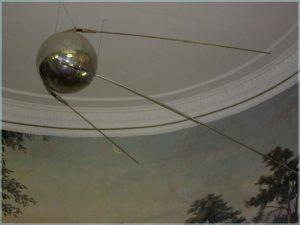Макет первого искусственного спутника Земли. Волгоградский планетарий
