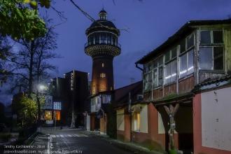 Водонапорная башня в Зеленоградске. Вечернее фото