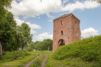 Руины замка Грос Вонсдорф. Башня Канта