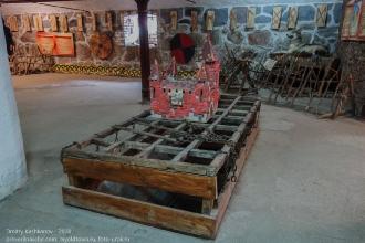 Спуск в подземный ход. Янтарный замок. Калининградская область