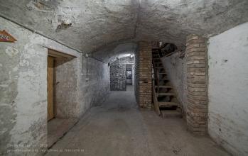 Янтарный замок. Сводчатый подвал