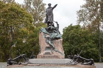 Памятник адмиралу С.О.Макарову. Кронштадт. Фото