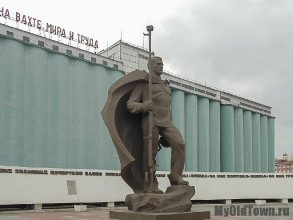 Памятник морякам-североморцам