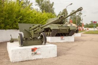 Пушка ЗИС-3. Год выпуска - 1941. Скорострельность - 25 выстрелов в минуту