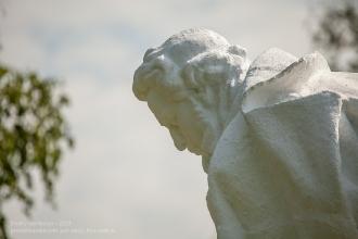 Памятники в усадьбе Пушкина в Болдино