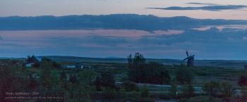 Аркаим. Вечерний пейзаж с мельницей. Фото с горы Шаманки