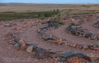 Заповедник Аркаим. Каменный лабиринт (фрагмент) на вершине горы Шаманки