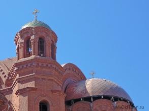 Собор Александра Невского в Волгограде. Малый купол. Фрагмент. Июнь 2019 года