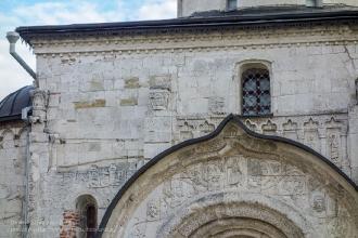 Белокаменная резьба на фасаде Георгиевского собора. Город Юрьев-Польский