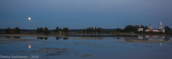 Островоезерский Свято-Троицкий монастырь. Ночное фото