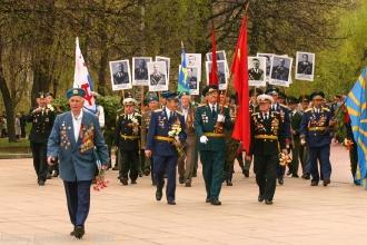Парад Победы. 9 Мая 2006 года. Нижний Новгород. Фото