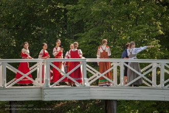Артистки на горбатом мостике. Болдино
