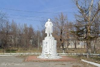 Памятник Ленину на площади  у ВолгоГРЭС. Фото Волгограда