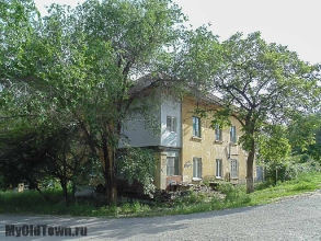 Улица Ухтомского дом 7. Волгоград. Фото старого жилого дома