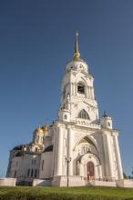 Успенский собор во Владимире. Вид снизу. Фото