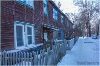 Деревянный дом. Вид со двора. Улица Профинтерна. Нижний Новгород