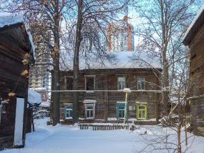 Ул. Новосолдатская, 10а. Заколоченный деревянный дом