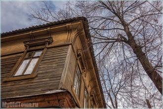 Старый деревянный дом. Улица Марата. Фото Нижнего Новгорода
