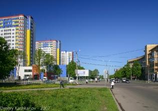 Перекресток Молодежного проспекта и улицы Краснодонцев. Фото 2007 г.