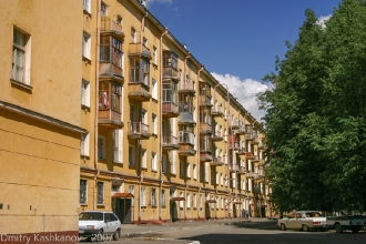 Проспект Молодежный. Радиусный квартал. Во дворе. Фото