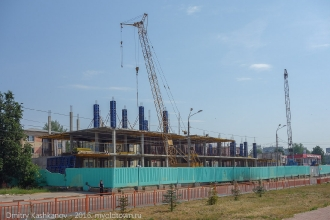 Строительство торгового центра. Проспект Молодежный. 2014 год