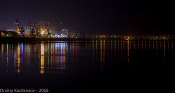 Стрелка. Седьмое небо и Борский мост. Ночное фото