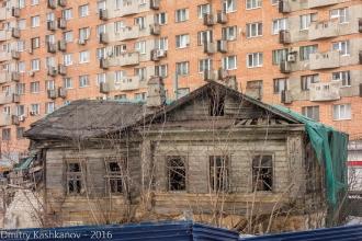 Развалины дома 139 по улице Горького в Нижнем Новгороде. Фото 2016 года