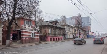 Улица Большая Покровская между площадями Горького и Лядова. Фото 2015 года