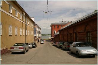 Кожевенная улица. Вид на Кожевенный переулок и реку Волгу. Фото Нижнего Новгорода