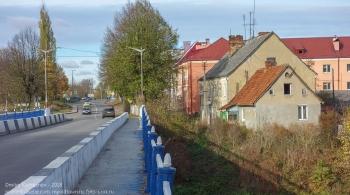 Правдинск. Калининградская область. Мост через Лаву и старые дома