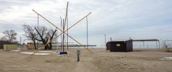 Азовское море. Пустой пляж Ейска. Январь