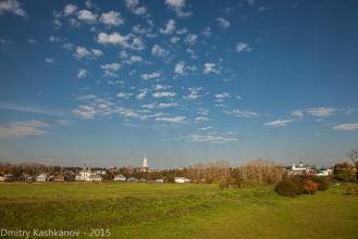 Суздальский Кремль. Вид на луга и Преподобенскую колокольню