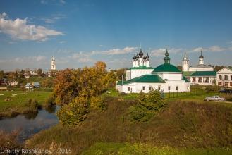 Суздальский Кремль. Вид с земляного вала на реку Каменка