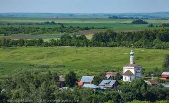 Суздаль. Церковь рождества Иоанна Предтечи и Ильинский луг