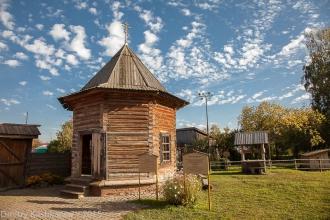 Фото деревянной часовни
