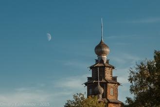 Суздаль. Преображенская церковь и Луна