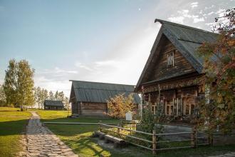 Деревянные домики-экспонаты. Суздаль. Музей