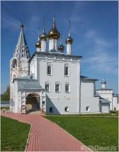 Николо-Троицкий мужской монастырь. Гороховец. Вертикальное фото