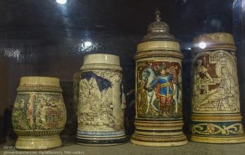 Коллекция старинных пивных кружек