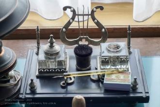 Старый чернильный прибор. Ейский краеведческий музей