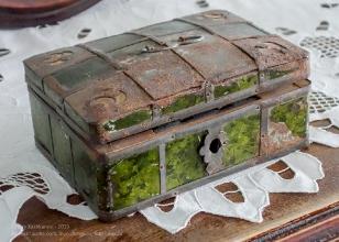 Старинная стеклянная шкатулка