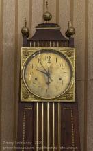 Старинные часы с четвертой календарной стрелкой
