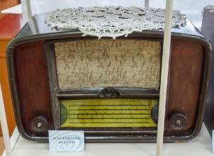 Ламповый настольный радиоприемник Балтика
